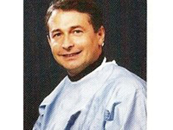 566ad4f902 Dr. Stefano Zenoni - Oculista a Bergamo, Milano