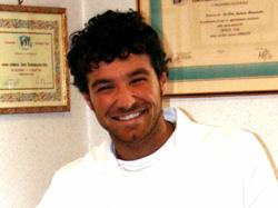 Dr. Paolo M. Tomasicchio - Dentista a Bari