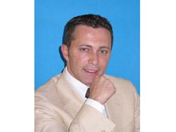 Dr. Emilio Nuzzolese - Dentista a Bari
